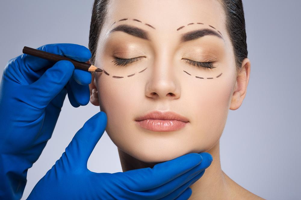 woman preparing for facial eye surgery